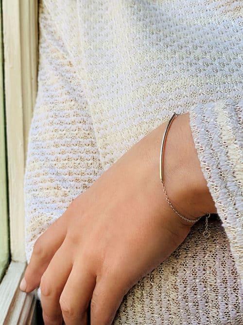 Bracelet-chaîne-barre-courbée-800x1067-925grammes.com