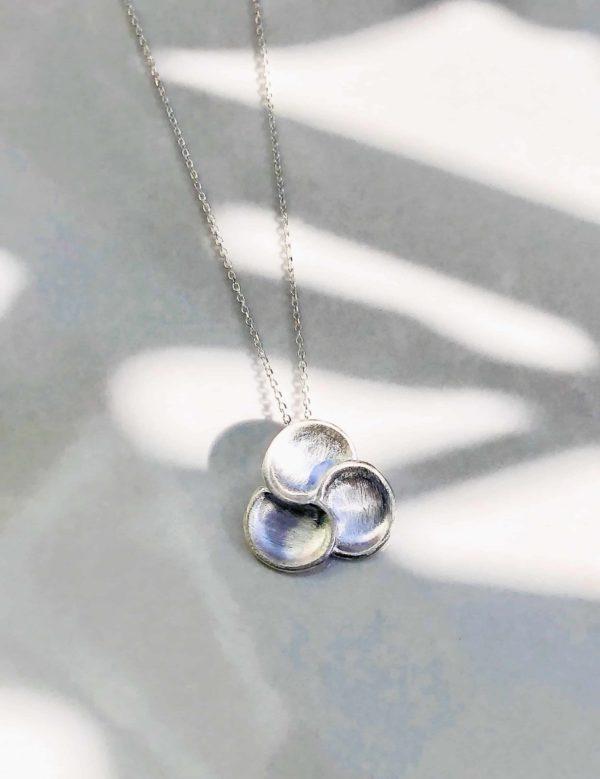 collier chaine fleur mate argent 60 cm 925grammes.com