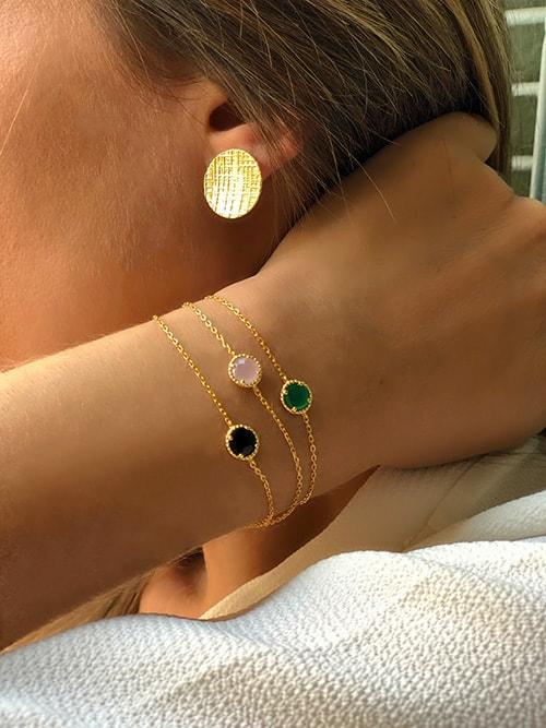 boucles d'oreilles plaque texturée bracelet pierre ronde plaqué or 925grammes.com
