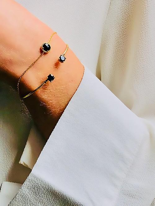 Bracelet jonc ouvert avec pierres noires 925grammes.com