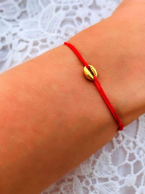 Bracelet-cordon-Coquillage-Dore-800x1067-925grammes.com