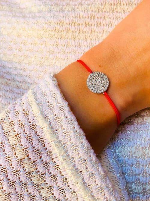 Vue de face bracelet cordon réglable choix de couleur de cordon cercle en argent et zirconium